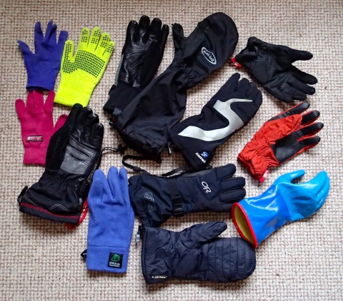 Gloves for winter activity